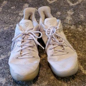 NIKE Kobe A.D. Low Basketball Shoes sz 10.5